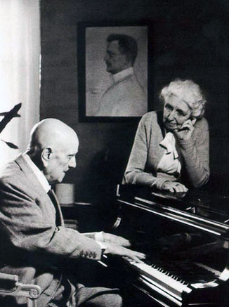 an introduction to the life of jean sibelius Jean sibelius (/ s ɪ ˈ b eɪ l i ə s /  for most of the last thirty years of his life, sibelius even avoided talking publicly about his music.